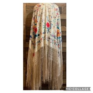 Vintage Silk Floral Embroidered Fringe Piano Shawl
